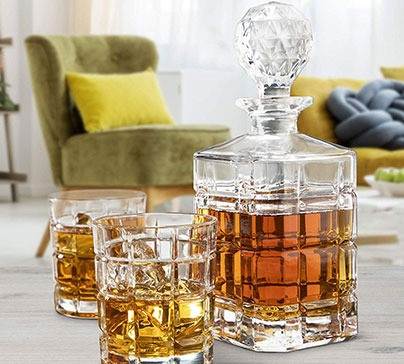 Elegant 5 Piece Whiskey Decanter Set