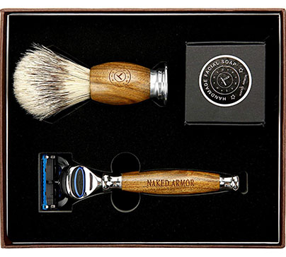 Brazilian sandalwood shaving kit: 5 blade wood razor, shaving soap and brush in a quality box. To use with at home and on the road.